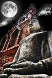 Nuit de bouddhisme de statue Image libre de droits