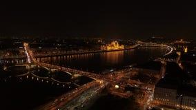 Nuit de Budapest de vue aérienne banque de vidéos