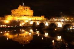 Nuit de Castel Sant Angelo à Rome, Italie Image libre de droits