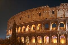 Nuit de Colisé (Colosseo - Rome - Italie) Photos libres de droits