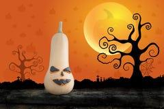 Nuit de Halloween avec le potiron sur le fond de lune Images stock