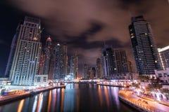 nuit de marina du Dubaï image libre de droits
