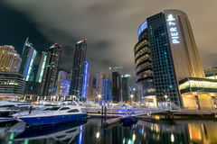 nuit de marina du Dubaï images stock