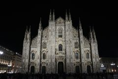 Nuit de Milan de Di de Milan Cathedral Exterior/Duomo photo stock