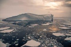 Nuit de milieu de l'été sereine de style de l'Antarctique image stock