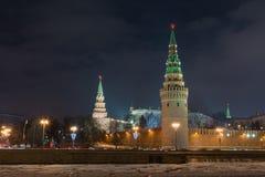 Nuit de Moscou Kremlin Photos stock