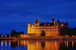Nuit de palais de Schwerin Photo stock