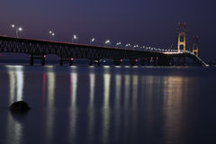 Nuit de passerelle de Mackinac Images stock