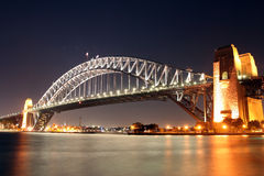 Nuit de passerelle de port de Sydney Photo stock