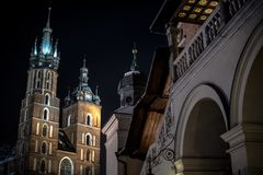 Nuit de place principale de Cracovie Photographie stock