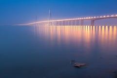 Nuit de pont de Sutong Photos stock