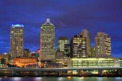 Nuit de ville de Brisbane Photographie stock libre de droits