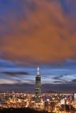 Nuit de ville de Taïpeh Image stock