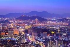 Nuit de ville de Séoul belle de la Corée avec la tour de Séoul Photo libre de droits