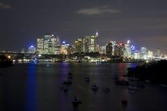Nuit de yacht de compartiment de Wavert de ville de Sy Photo stock