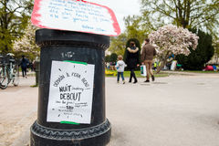 'Nuit Debout' o 'noche permanente' de en el lugar la Republique Imagen de archivo libre de regalías