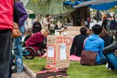'Nuit Debout' o 'noche permanente' de en el lugar la Republique Fotografía de archivo libre de regalías
