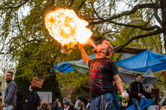 'Nuit Debout' oder 'stehende Nacht' an der richtigen Stelle de la Republique Lizenzfreie Stockfotos