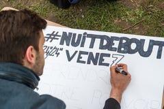 'Nuit Debout' oder 'stehende Nacht' an der richtigen Stelle de la Republique Stockbilder