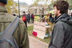 'Nuit Debout' oder 'stehende Nacht' an der richtigen Stelle de la Republique Stockfotografie
