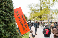 'Nuit Debout' oder 'stehende Nacht' an der richtigen Stelle de la Republique Stockbild
