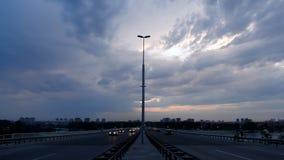 Nuit du trafic d'autoroute banque de vidéos