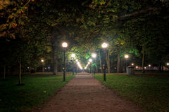Nuit en parc de Kadriorg Photo stock