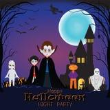 Nuit heureuse de Halloween avec le costume différent de monstre Photos stock