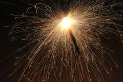 Nuit légère lumineuse de feux d'artifice de festival Photographie stock