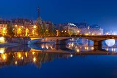 Nuit la Seine, Paris, France images stock