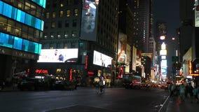 Nuit New York City dans 4K banque de vidéos