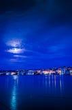 Nuit nuageuse de la pleine lune Photographie stock libre de droits