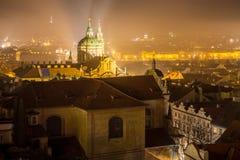 Nuit Prag Photos libres de droits