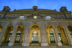 Nuit scénique de la station principale de Zurich Photos stock