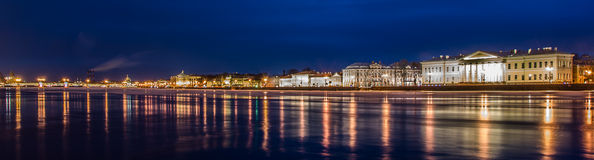 Nuit St Petersburg. Photos libres de droits