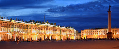 Nuit St Petersburg Images stock