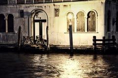 Nuit sur le canal de Venise Photo stock