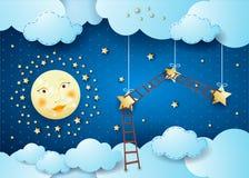 Nuit surréaliste avec la pleine lune, les étoiles accrochantes et les échelles Photo stock