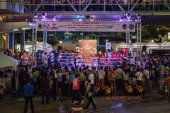 Nuit thaïlandaise de combat de boxe Photos stock