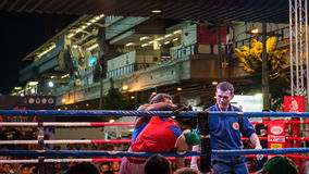 Nuit thaïlandaise de combat de boxe Photo stock