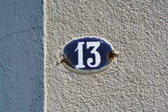 Numéro de maison treize 13 Images libres de droits