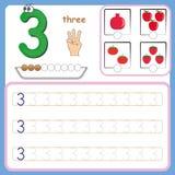 Numérotez les cartes, comptant et écrivant des nombres, apprenant des nombres, des nombres traçant la fiche de travail pour l'éco images stock