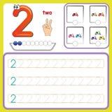 Numérotez les cartes, comptant et écrivant des nombres, apprenant des nombres, des nombres traçant la fiche de travail pour l'éco images libres de droits