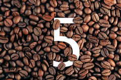 Free Number Five On Coffee Bean Background Concept Royalty Free Stock Images - 94082829