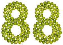 Numeral árabe 88, oitenta e oito, das ervilhas verdes, isoladas no wh Fotos de Stock