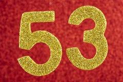 Numere cinquenta e três cores do ouro sobre um fundo vermelho anniversary ilustração do vetor