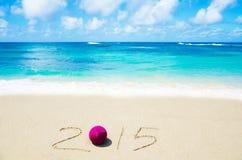 Numere 2015 na areia - conceito do feriado Fotografia de Stock