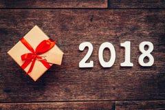 Numeri di legno che formano il numero 2018, per il nuovo anno 2018 sopra Fotografia Stock Libera da Diritti