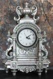 Numeri romani sugli orologi d'annata immagini stock libere da diritti