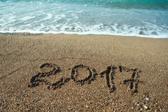Numeri 2017 sulla spiaggia Concetto di festa del nuovo anno Immagini Stock